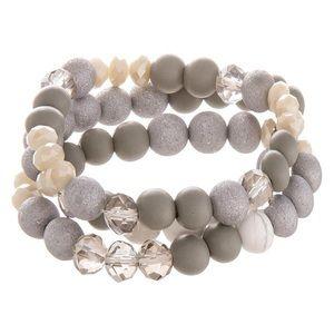 Jewelry - Neutral beaded bracelet